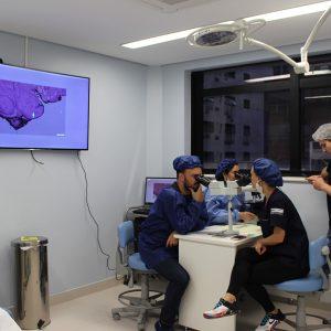 Análise microscópica das margens cirúrgicas